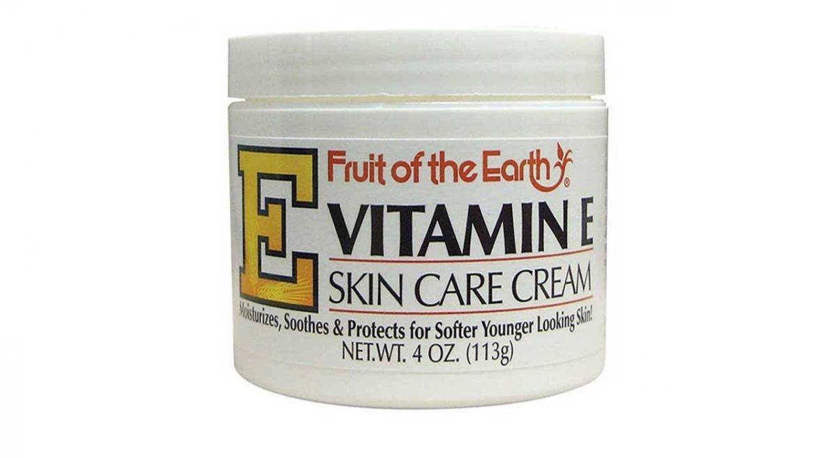 کرم مرطوب کننده مدل ویتامین E